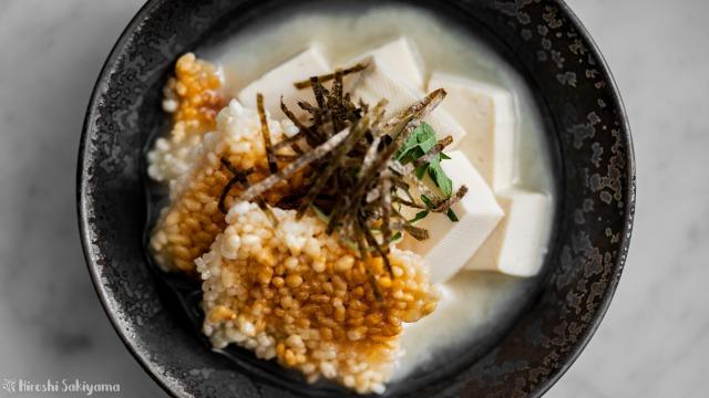 中華おこげのうずみ豆腐、白味噌、上から
