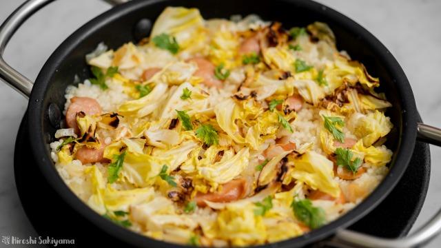 ウインナーとキャベツのアロス(炊き込みご飯)