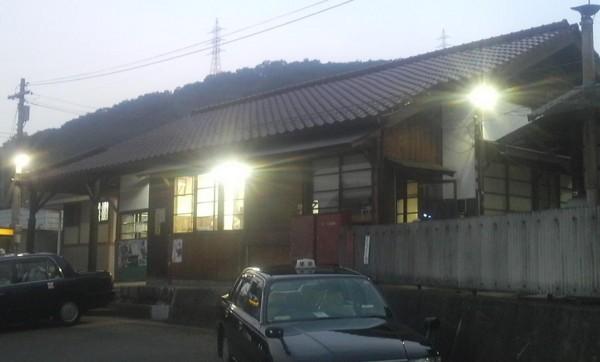 建部駅(JR西日本・津山線、木造駅舎)