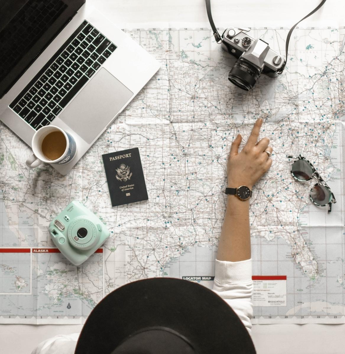 【パスポートネット申請】2024年度にネット申請出来るようになる?(Photo by Element5 Digital on Unsplash)