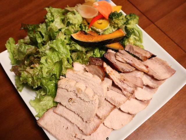 ヘルシオで完成した焼き豚(スライス済み)