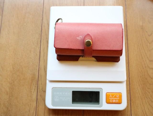 デジタルスケールに乗った財布38グラム