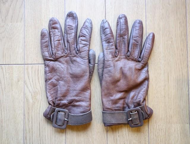 ラナパーの使い方③茶色い革手袋