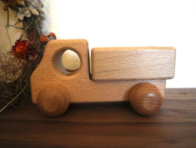 ラナパーの使い方④木の玩具の写真