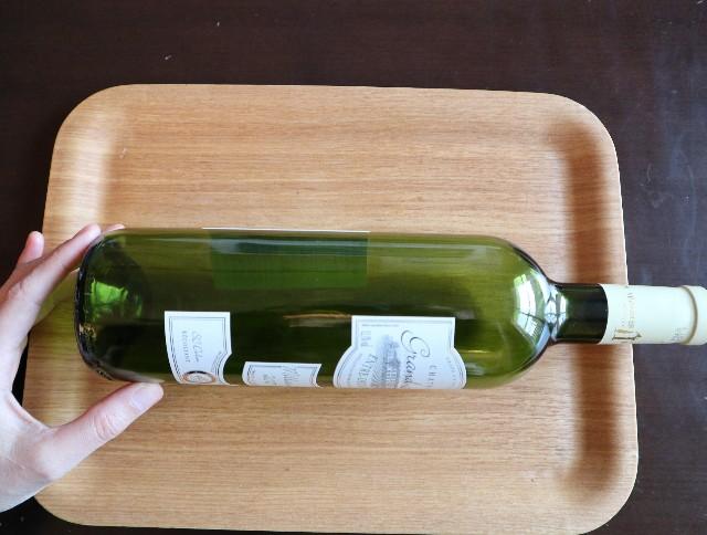 ワインの空き瓶の写真