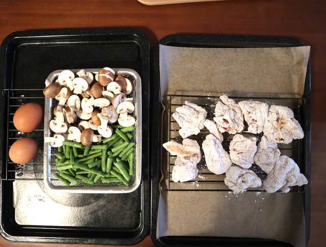 から揚げ&蒸し野菜&ゆで卵、加熱前の写真