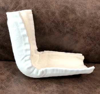幼児の骨折:ギプス(横から見た図)
