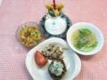 蓮根ハンバーグ・カレーマカロニサラダ・レタスとビーフンのスープ