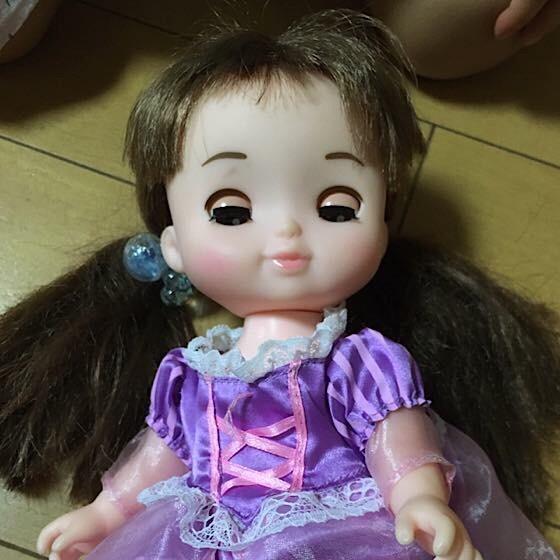 ソランちゃんの髪を二つ結びにする