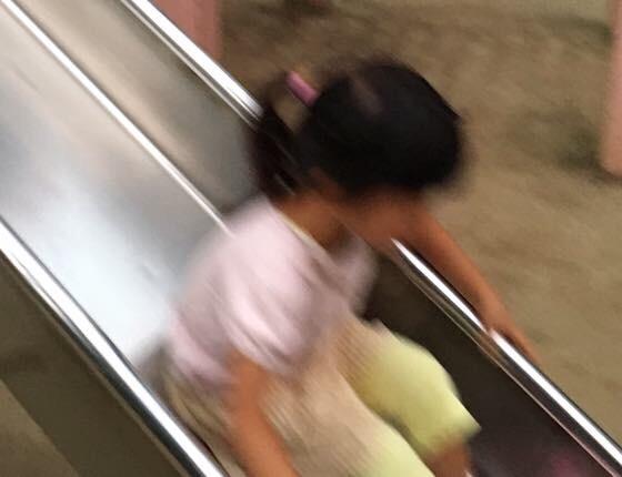 滑り台だいすきな娘