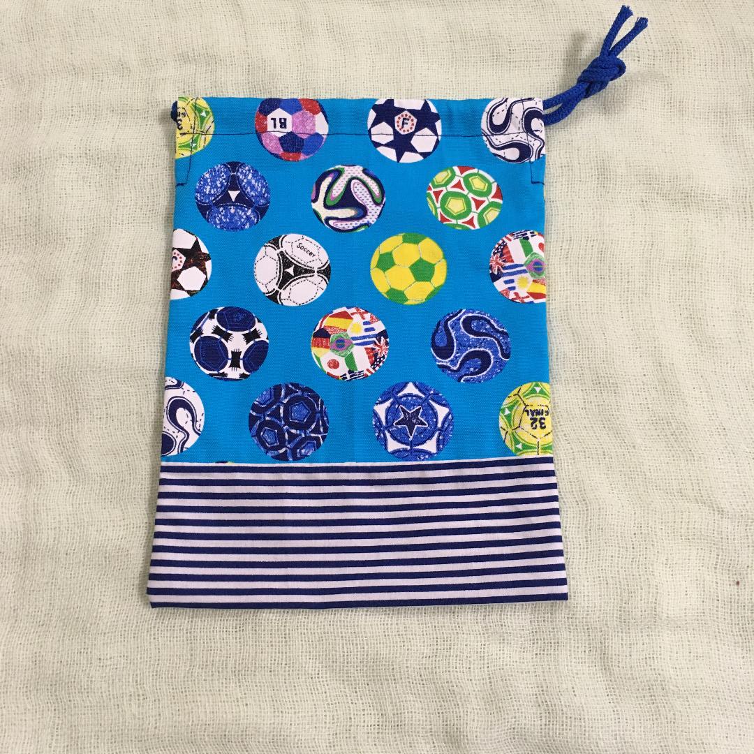 サッカーボール柄×ストライプのコップ袋