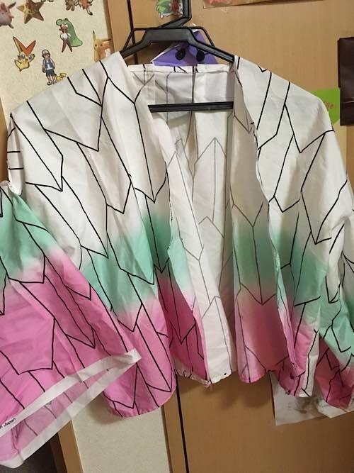胡蝶しのぶの羽織全景