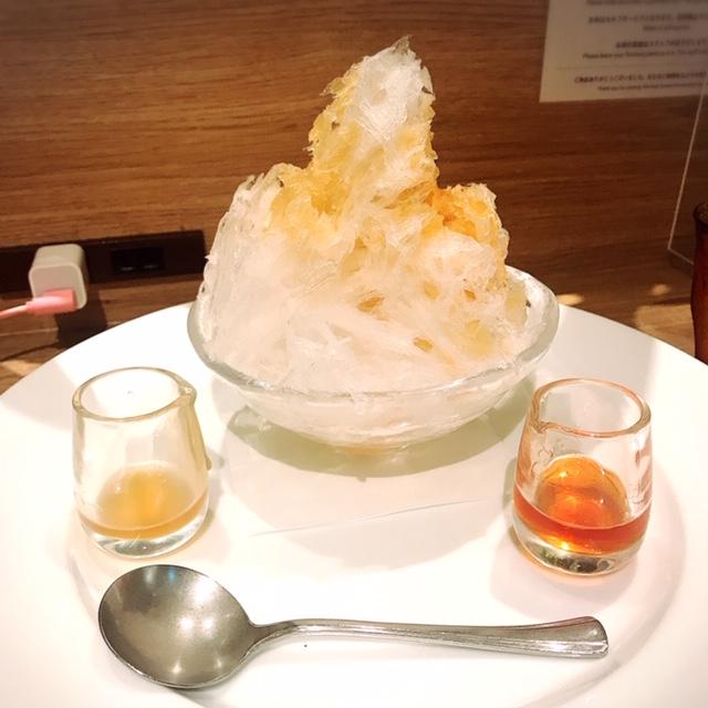 生姜と紅茶のシロップをかけたかき氷