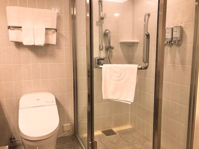 バスタブとは別のシャワーブース