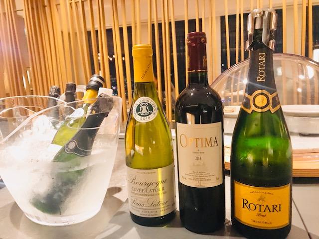 スパークリングワイン、赤ワイン、白ワイン