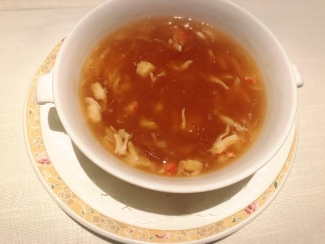 京王プラザホテル「南園」タラバ蟹肉入りふかひれスープ