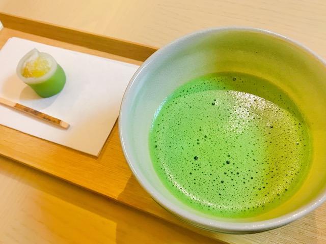 桜彩のウェルカムドリンクはお抹茶です