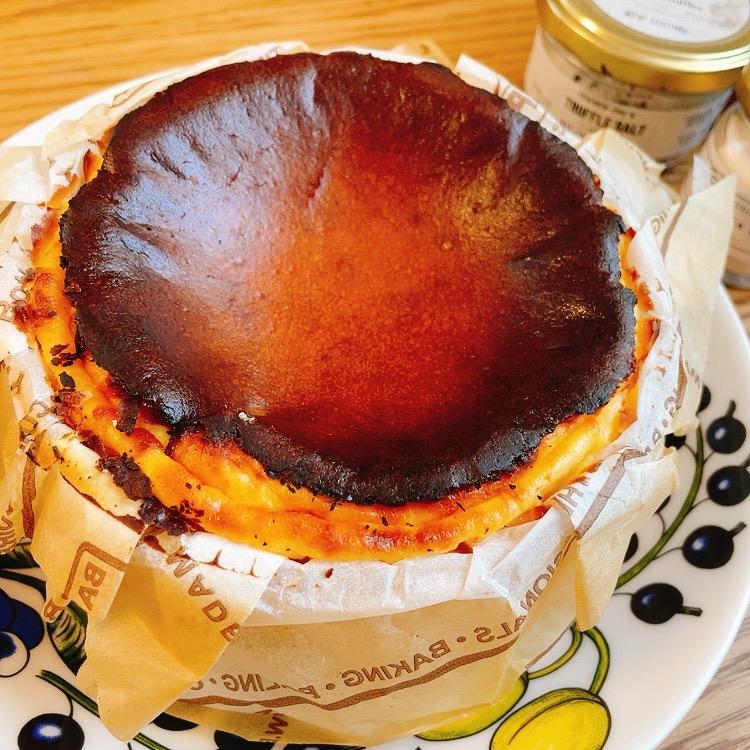 6th by Oriental Hotelのバスクチーズケーキ