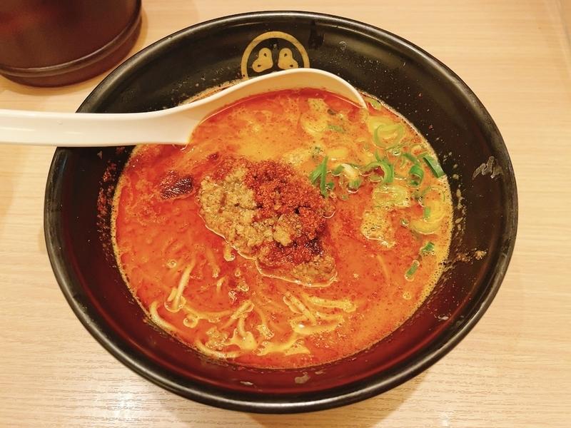 「TOKYO豚骨BASE エキュート品川サウス」のシビ辛豚骨担々麺