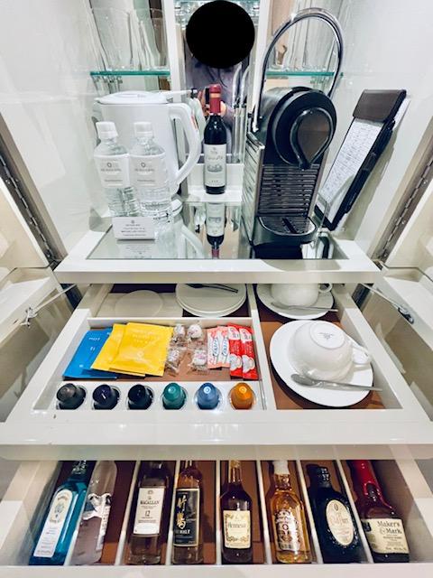 京王プラザホテル プレミアグラン・ツインのミニバー