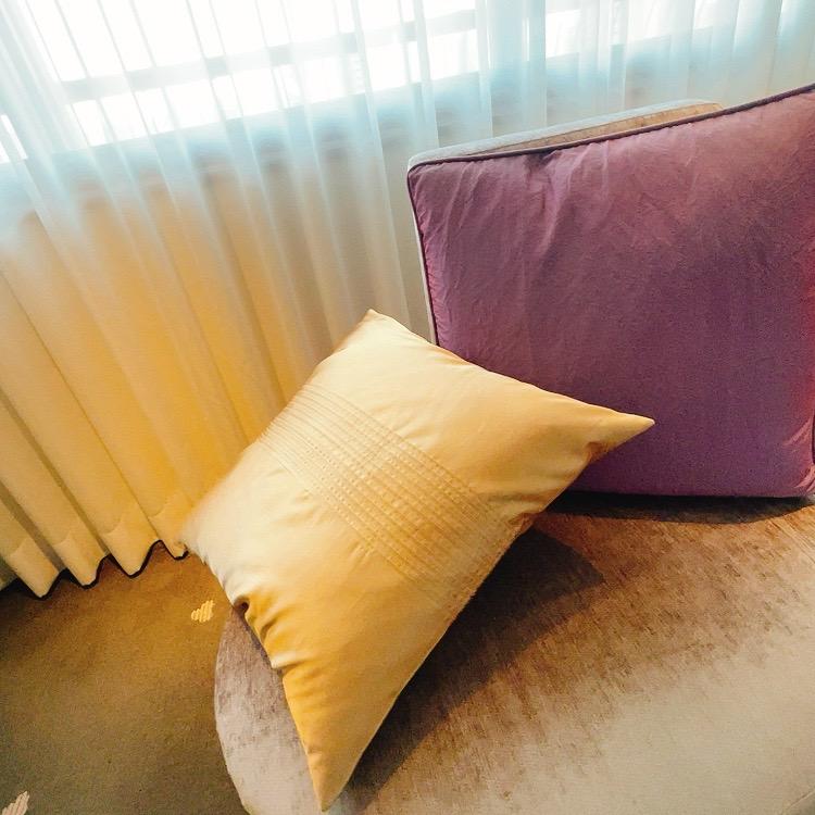 東京マリオットホテル デラックスツインのソファー
