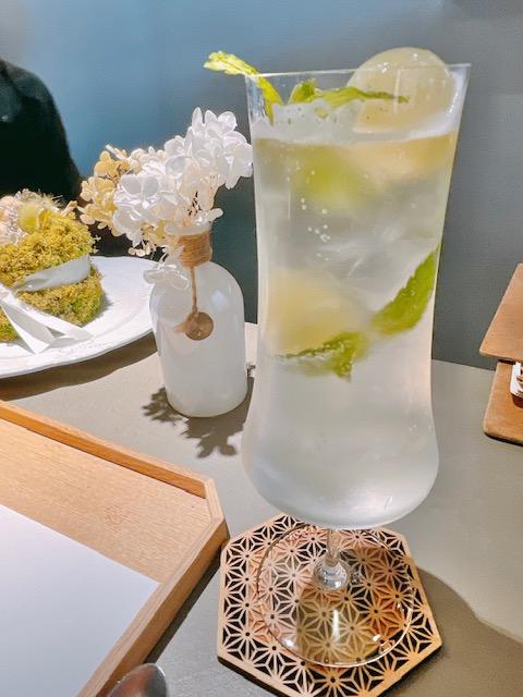 「PATISSERIE Salon by S 」山椒香る煎茶ジントニック
