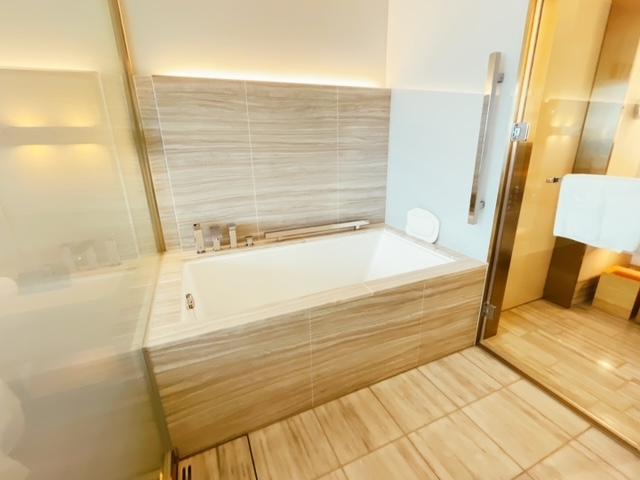 「ザ・プリンスギャラリー東京紀尾井町」クラブデラックスツインの浴槽