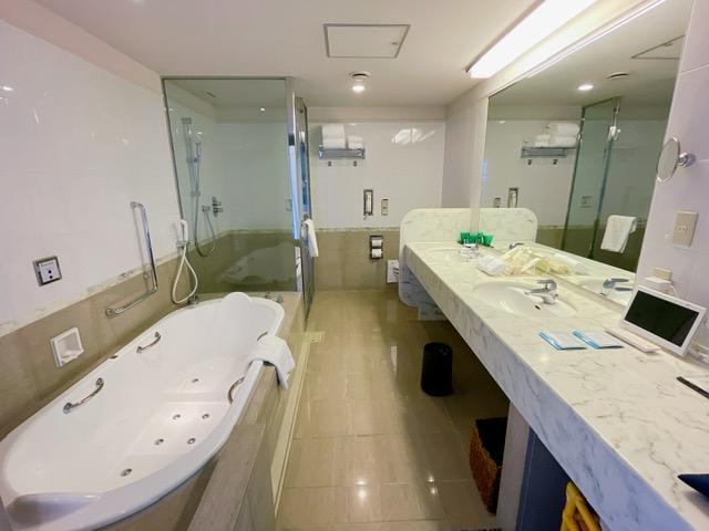 「ザ・プリンスパークタワー東京」プリンススイートルームのバスルーム