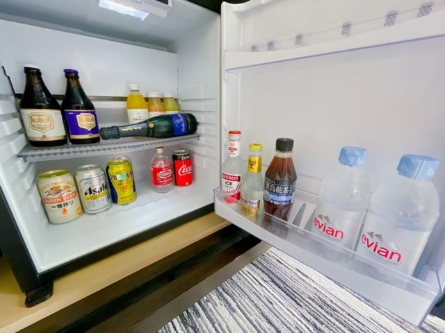 「ザ・プリンスパークタワー東京」プリンススイートルームの冷蔵庫(ベッドルーム)