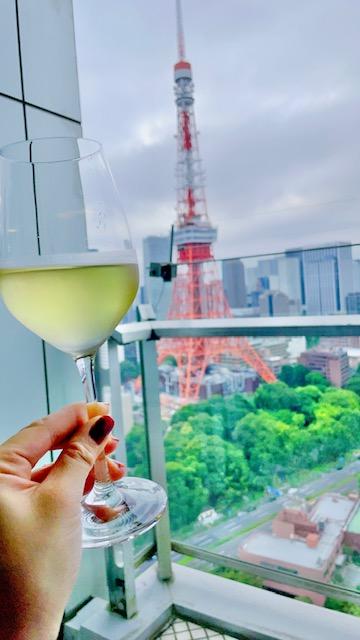 「ザ・プリンスパークタワー東京」プレミアムクラブラウンジの白ワイン