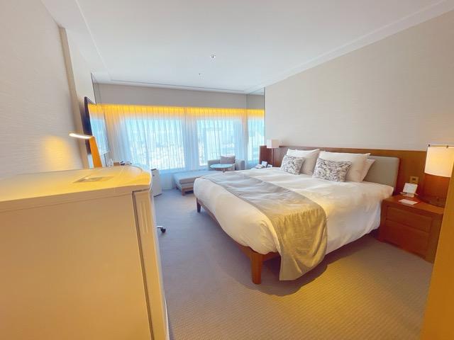 「京王プラザホテル」プレミアグラン・キングの客室