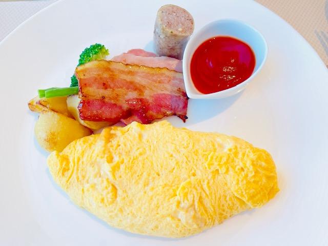 「京王プラザホテル」クラブラウンジでの朝食:メインディッシュ