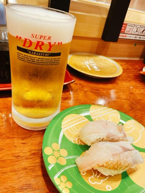 「もりもり寿し 近江町店」のどぐろと生ビール