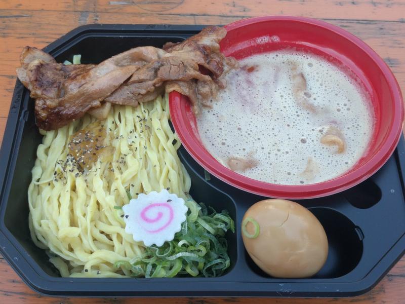 神の炙り肉盛り味噌つけ麺