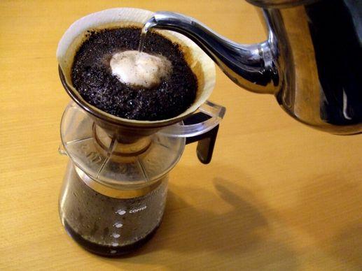 コーヒーメーカーは、ハンドドリップよりも手軽にコーヒーが作れる