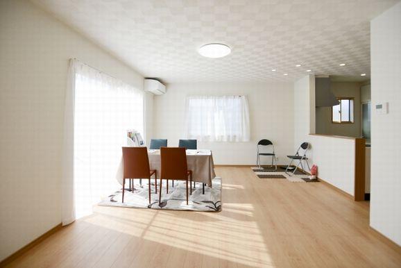狭い部屋なら、物が増えるのを予防できる