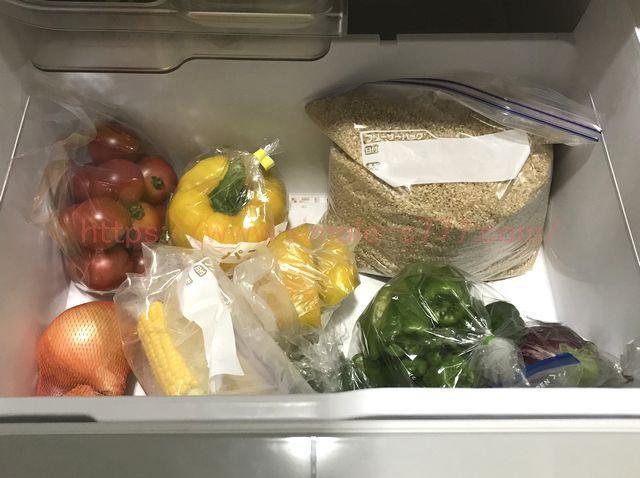 冷蔵庫の中を立体的に写真を撮っていくと、買い過ぎを防げます