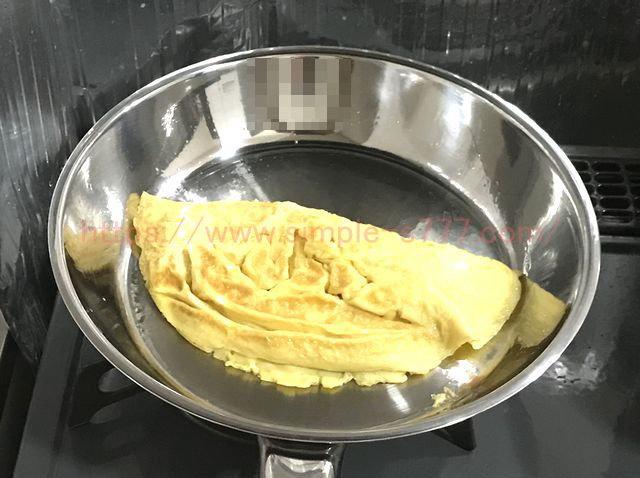 ステンレス製のフライパンで作った玉子焼き。まったく焦げ付きませんでした^^