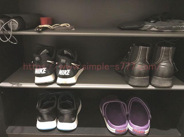 すぴお家の下駄箱。靴の数が少ないので下駄箱はスカスカです(*^_^*)