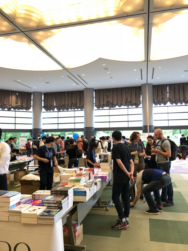 RubyKaigi会場の書籍販売ブース