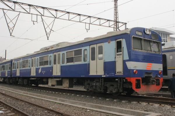 ブカシ、デポック寄りの先頭車 クハ103-359 stasiun jakarta_kota