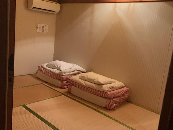 ペンションパパラギ王国アパートメントタイプの宿の2階和室寝室