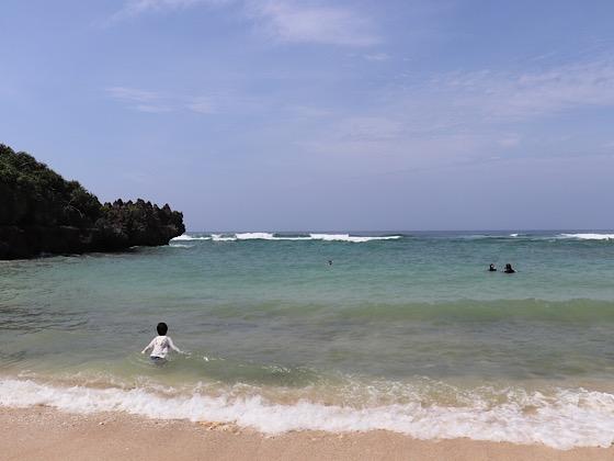 とけい浜の海と砂浜