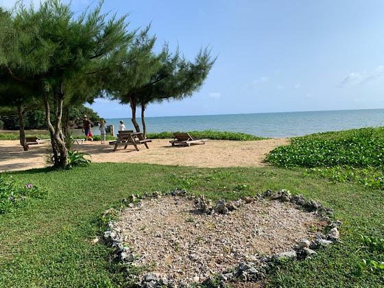 ペンションパパラギ王国プライベートビーチハートの石の囲い