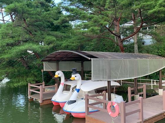 岡山県大芦高原大芦池のボート