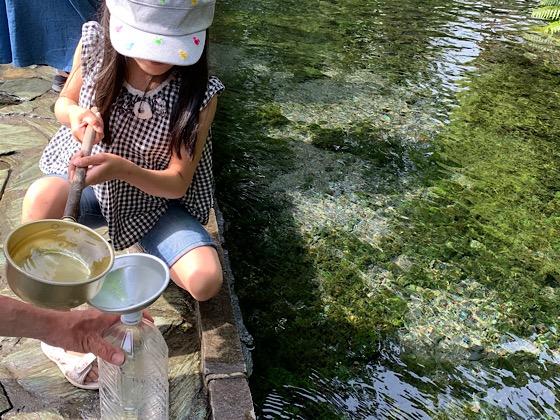 白川水源水汲み場