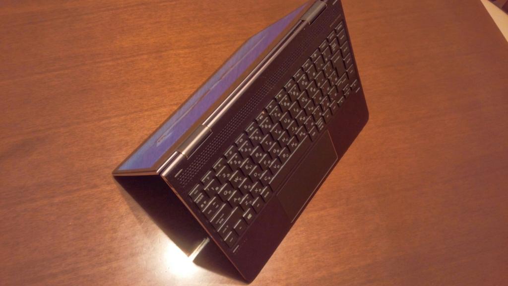 HP Spectre x360 テントモード