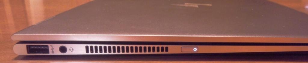 HP Spectre x360 側面左