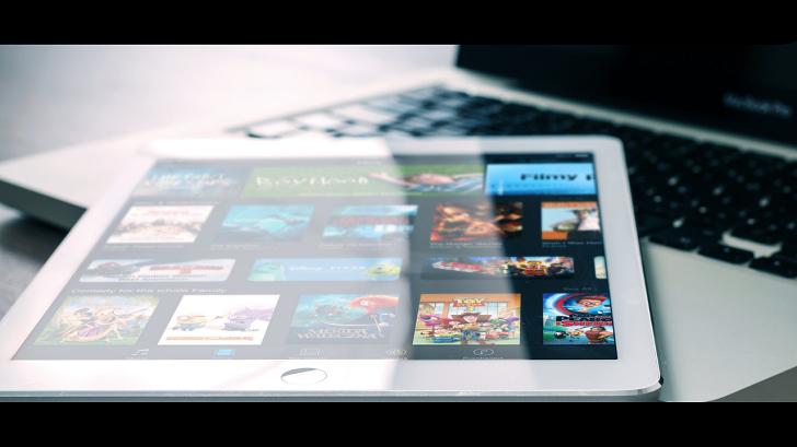 動画配信サービス タブレット端末