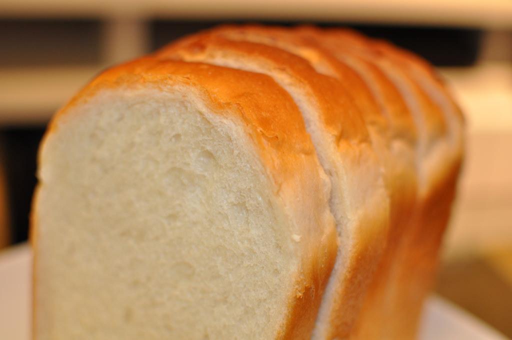 """""""食パンはお腹が空く"""